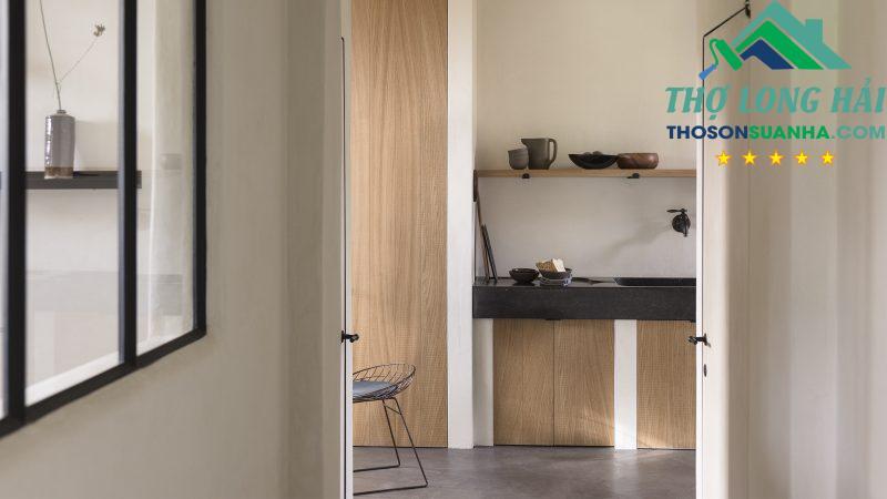 Một không gian mềm mại nhẹ nhàng với sắc thái xanh trung tính.