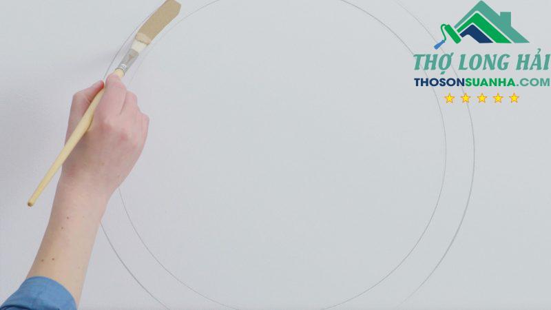 Bước cuối cùng để hoàn thiện một họa tiết hình tròn cho bức tường của bạn thêm sinh động và màu sắc