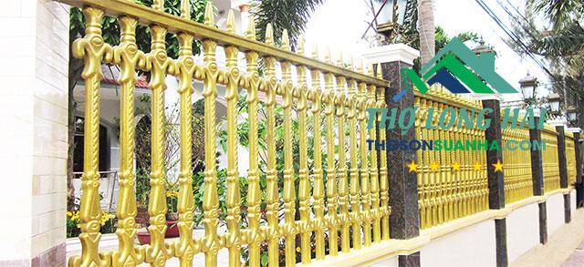 mẫu sơn hàng rào hợp phong thủy